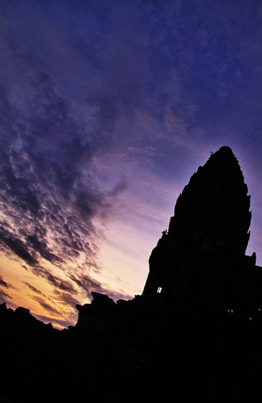 1.1346161536.1-an-angkor-sunrise