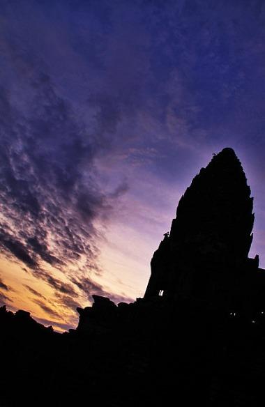 1.1346161536.1-an-angkor-sunrise