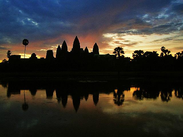 1.1346161536.an-angkor-sunrise