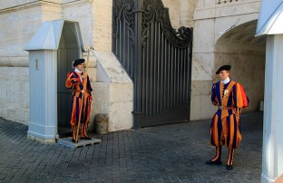 1.1348014074.swiss-guards