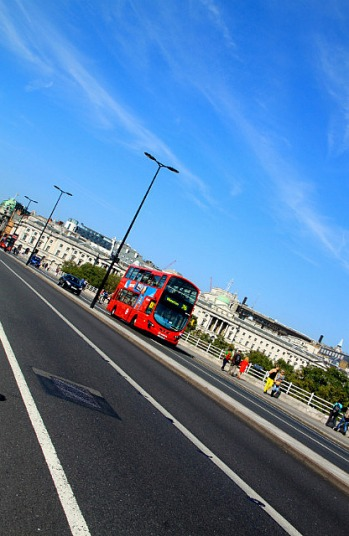 1.1348438427.london-bus