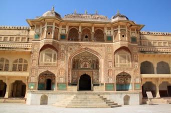1.1366934400.amber-fort-entrance