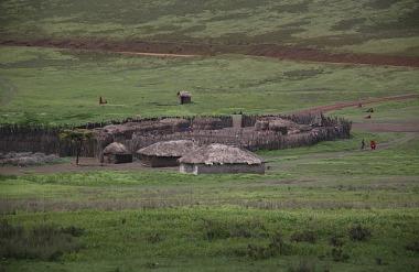 1.1325773653.masai-village