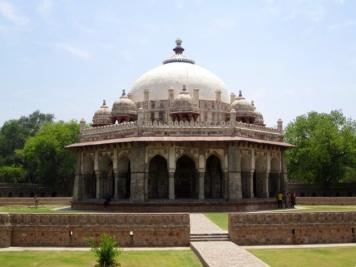 1.1367539200.tomb-complex
