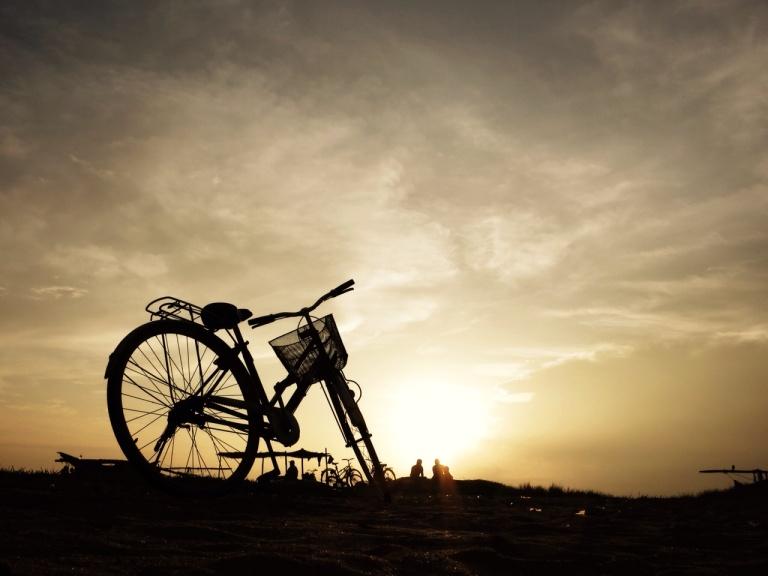 2.1383350400.sunset-on-negombo-beach