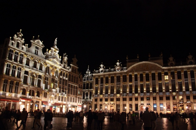 3.1393027200.nights-time-in-brussels