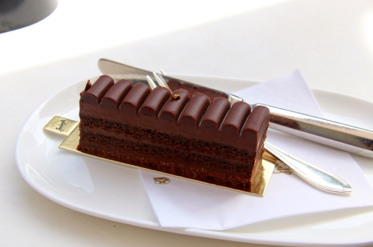 3.1409875200.the-cake