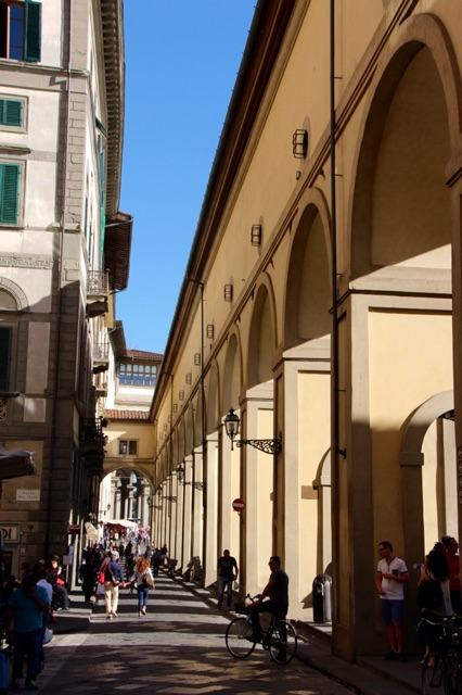 3.1411776000.italian-streets