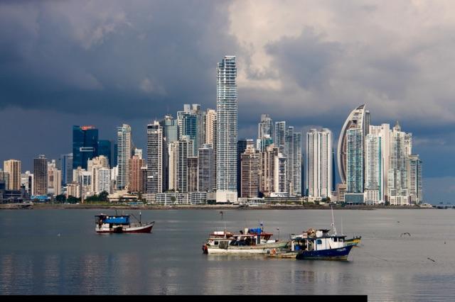 3.1416009600.skyline-and-marina