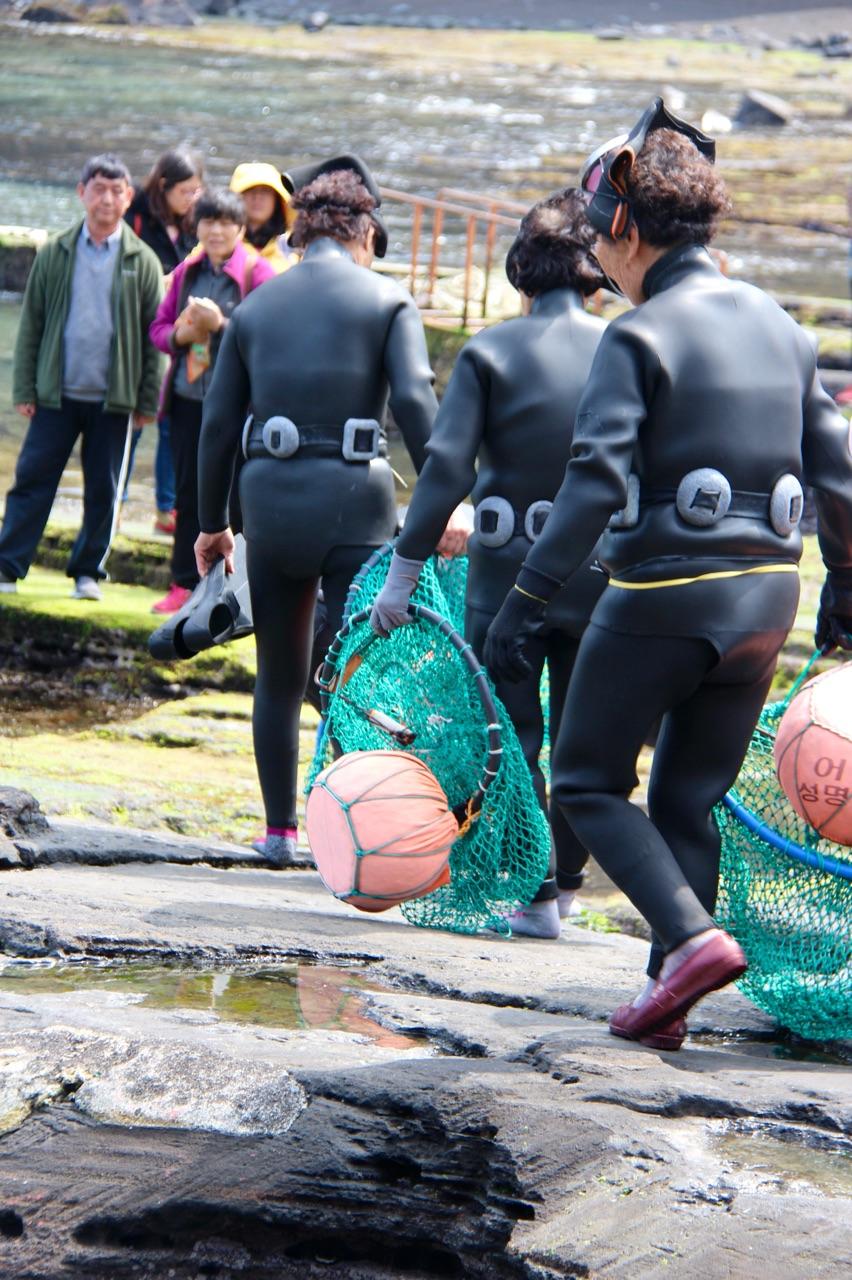 5.1458641580.woman-divers