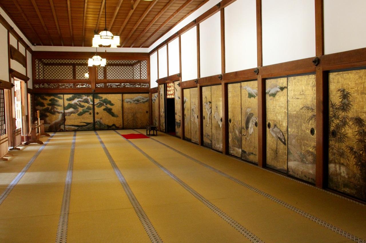 5.1458777600.paper-walls-and-floor