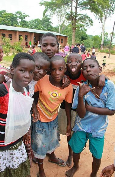 1.1326560202.1-malawi-village-school